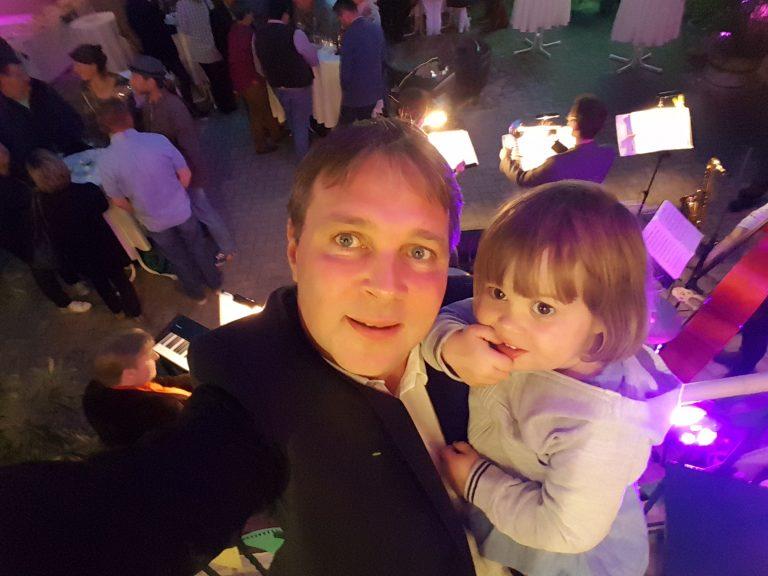 1_1111-Tage-Bgm-Babler_Selfie-mit-Töchterchen-Flora.jpg