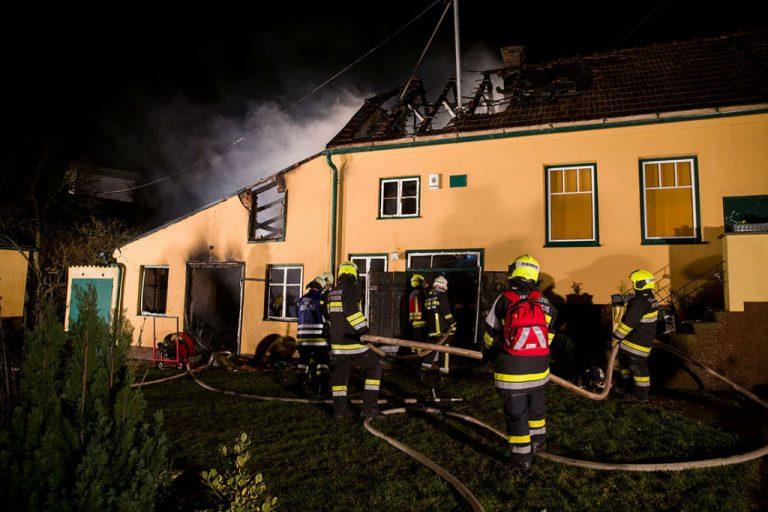 20160311 Wohnhausbrand Großau Bezirk Baden