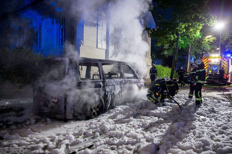 20160608 Farhrzeugbrand Baden Weikersdorf
