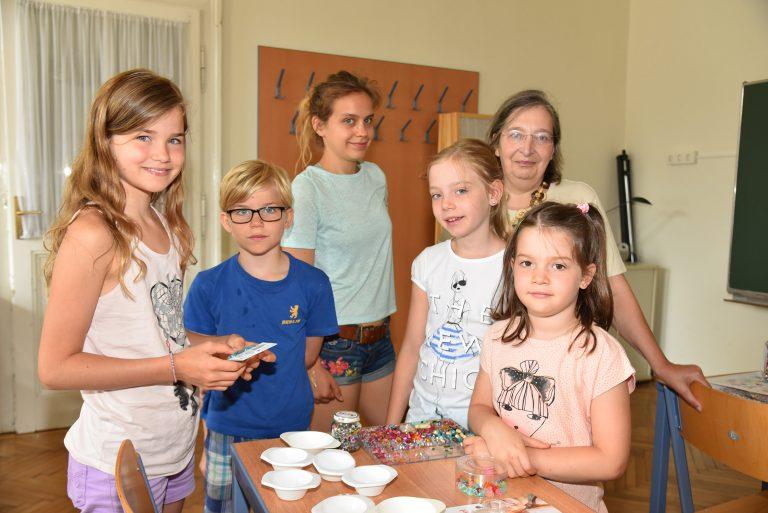 20160726 Ferienspiel - Basteln mit Perlen foto_sap (2)