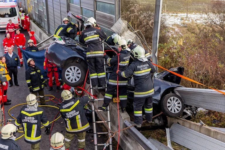 20161113 Verkehrsunfall A21 bei Alland RFb Wien Foto: Stefan S