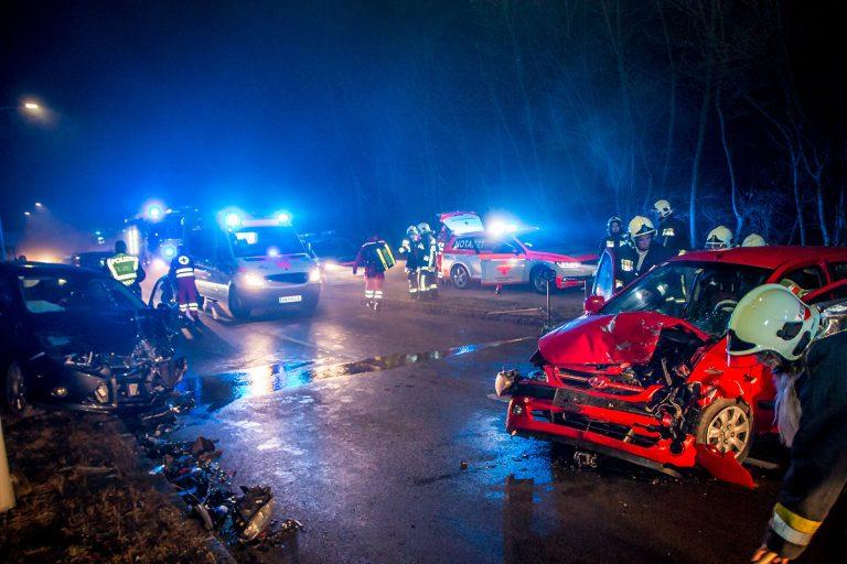 20161218 Verkehrsunfall  B18 Hirtenberg  Foto: Daniel Wirth