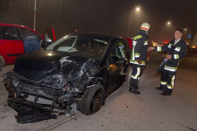 20161218 Verkehrsunfall  B18 Hirtenberg  Foto: Stefan Schneider