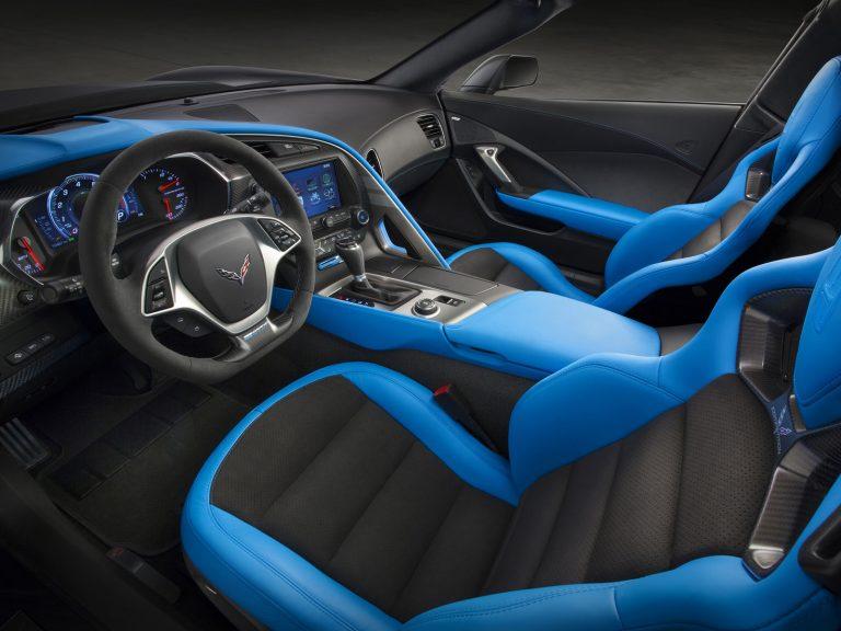 2017-Chevrolet-Corvette-GrandSport-006.jpg