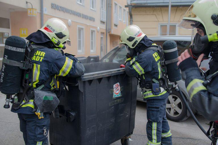 20170128 Müllbehälterbrand in Baden Foto: Freiwillige Feuerwe