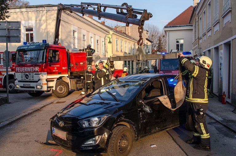 20170312 Verkehrsunfall in Baden Foto: Fritz Beichbuchner / Fre