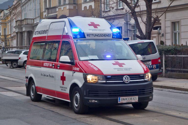 20180112 Verkehrsunfall Baden Kaiser Franz Josef Ring  Foto: Ste