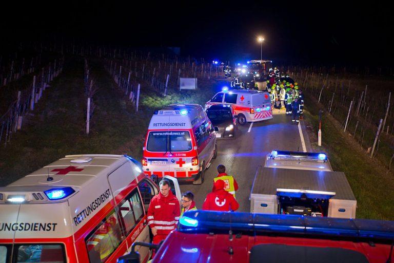 20181208 Verkehrsunfall L151 Weinbergstraße Pfaffstätten-Gumpo
