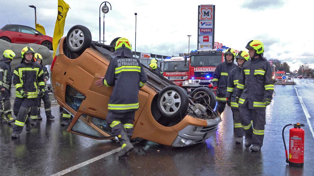 20190212 Verkehrsunfall auf der LB17 in Oeynhausen/Tribuswinkel