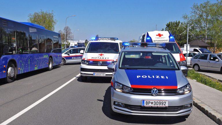 20190420 Verkehrsunfall auf der LB212 in Sooss  Foto: Stefan Sch