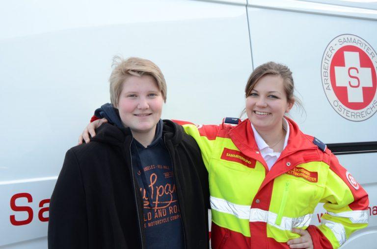 Sophie Stöhr und Julia Kremser leisteten erste Hilfe!