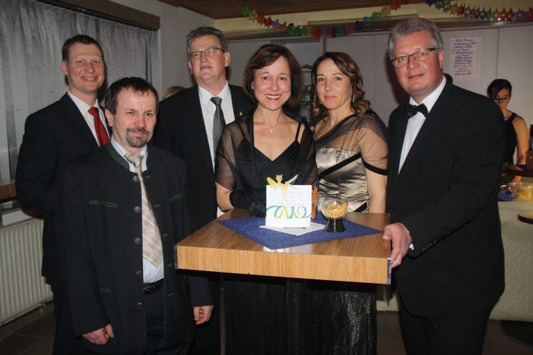 Das VP-Team mit StR Karl Lielacher, Olga Zach, Georg Herzog, Peter Lechner, den Mandataren des Landes LAbg. Christoph Kainz, BRin Angela Stöckl-Wolkerstorfer