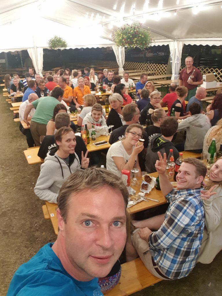 Weinfest-Abschluss_Gruppenselfie-1.jpg