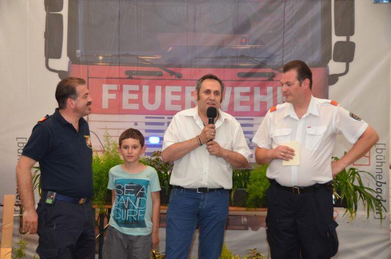 tag1-Hr.-Manafas-bedankt-sich-bei-den-Feuerwehr-mit-BR-Martin-Geiger-HBI-Mag.-Gerald-Peter.jpg