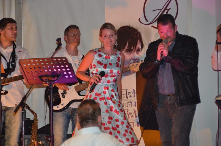tag2-Birgit-H.-Gerald-Peter-singen-mit-der-Band.jpg