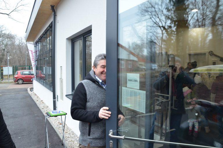 Ebreichsdorfer Stadtrat Engelbert Hörhan wählte auch in Tattendorf