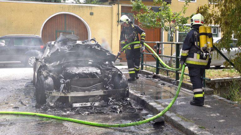 20200522 Fahrzeugbrand in Traiskirchen