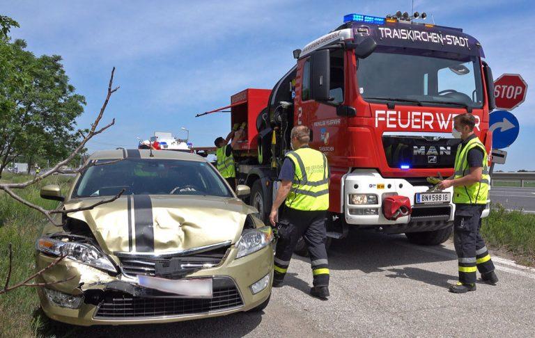 20200522 Verkehrsunfall B17 Abfahrt A2 Traiskirchen