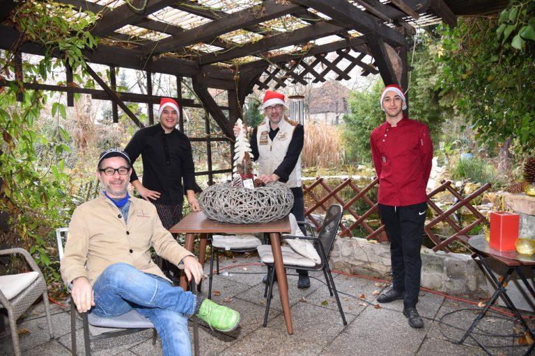 Karl Rosenbauch, Küchenmitarbeiter Attila Morizc, Küchenchef Franz Rosenbauch, Küchenmitarbeiter Ucha Tsatsunashrili