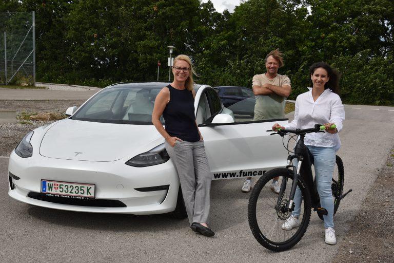 Bürgermeisterin Natascha Matousek, Gerald Windisch (eMobilty consulting) und GR Julia Schmid.