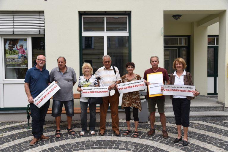 Walter Görz, Gerhard Domanovich, Erika Pracher, Reinhold Sommer, Ingrid Divis, Paul Bierl und Maria Fuchs