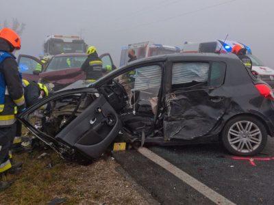 20201124 Verkehrsunfall LB17 Teesdorf-Günselsdorf