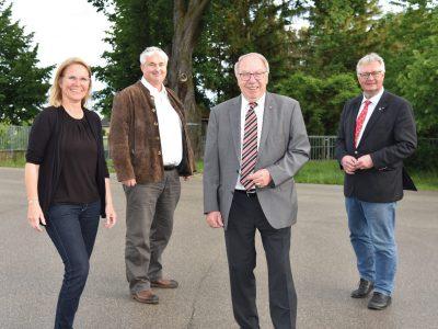 Bürgermeisterin Natascha Matousek, ÖVP-Gemeindeparteiobmann Vzbgm. Günter Hütter, GR Günther Stoiber und ÖVP-Bezirksparteiobmann Christoph Kainz.